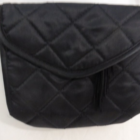Black change purse with snap button closure BNWOT